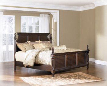 Traditional Classics Queen Master Bed in DarkBrown
