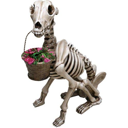 Black Dog Statue Stay