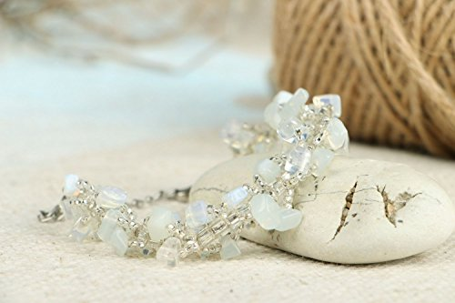 bracelet-with-a-moonstone