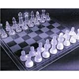 Chess set made of glassby DRW