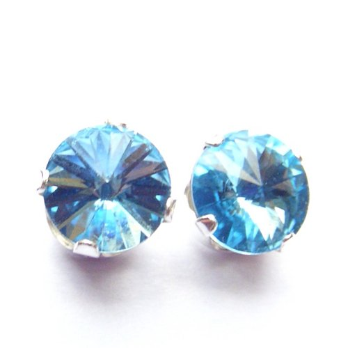 Magnet Therapy 925 Sterling Silver Stud Earrings made with Neodymium Magnets set with Vintage Aquamarine blue Rivoli Swarovski Crystal Stones. Gift Box. Beautiful jewellery for very special people.