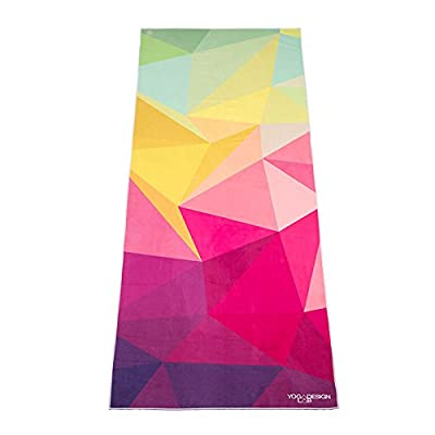 The Eco Yoga Towel. Non-Slip, Lightweight, Insanely Absorbent, Microfiber Yoga Towel that Dries in Minutes. Machine Washable. É