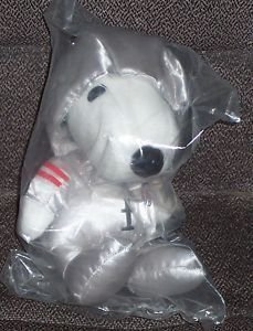 metlife-plush-peanuts-snoopy-astronaut-spaceman-by-determined