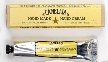 Soap and Paper Factory ソープアンドペーパーファクトリーうるうるシアバターハンドクリーム カメリアの香り65.5g