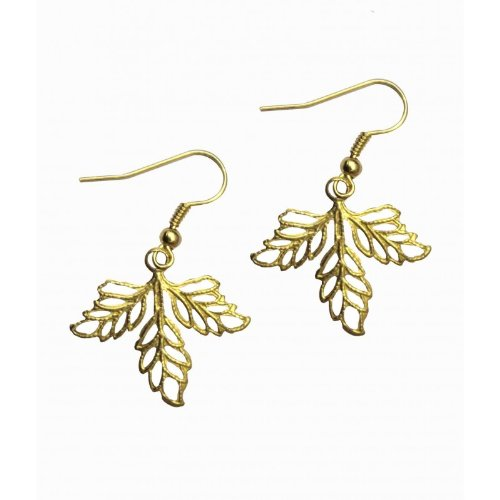 Karatcart Leaf Filigree Golden Earrings for Women (yellow)