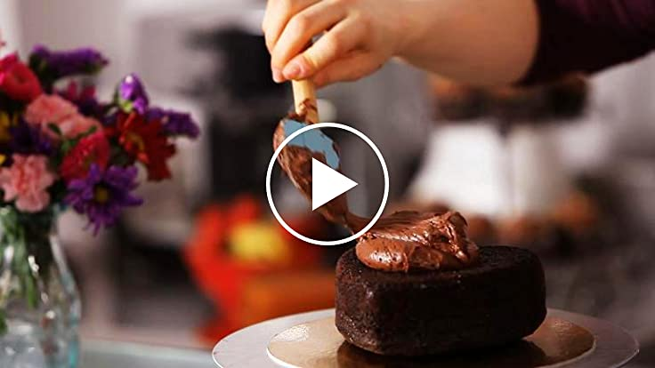 How to decorate a heart shaped cake - How to decorate a heart cake ...