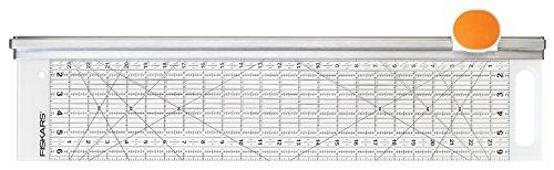 fiskars-15-x-60-cm-rotary-cutter-and-ruler-combo