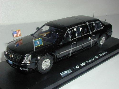 LUXURY ダイキャストモデルカー 1/43 キャデラック プレジデンシャル リムジン 2009 大統領専用車