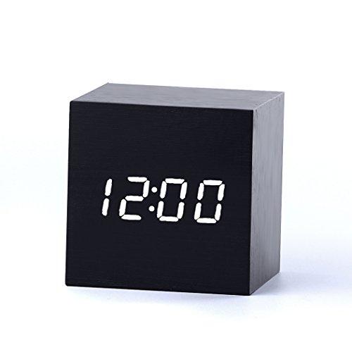 Forepin-Stilvoll-Holz-Wecker-Digital-Uhr-mit-Sound-Control-und-LED-Licht-Anzeige-Tischuhr-Alarm-Dekorationen-fr-das-Haus-und-Bro-Angetrieben-durch-USB-oder-Batterie-Cube-Gestalten-Schwarz-Wei-Licht
