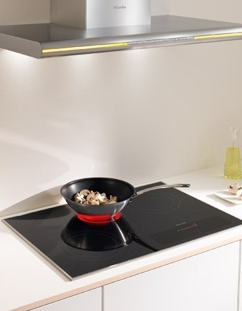 Miele KM5840 30 Electric Smoothtop Cooktop 4 Cooking Zones, 240 Volts