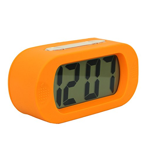 simple-silent-lcd-digital-large-screen-alarm-clock-snooze-light-function-batteries-powered-with-sili