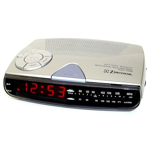 emerson ck5028 am fm digital clock radio with sure alarm battery back up. Black Bedroom Furniture Sets. Home Design Ideas
