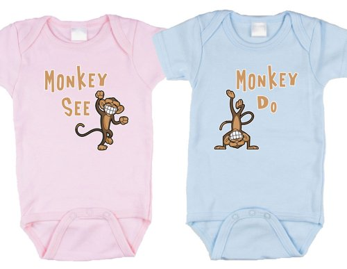 Twin Baby Clothes front-1068345
