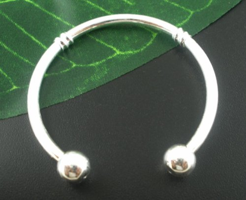 Divine Beads: Stylish Silver Plated 15cm Childs Torc Bangle - Simply unscrew the end cap and Slide on Slide Off Your Beads and Charms. Fits Pandora, Biagi, Tedora, Chamilia, Bacio, Troll and other European style charms & beads.