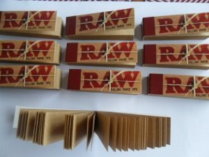 2-x-250-raw-filter-tips-card-booklets-roach-roaches-books-originals-uk-stock-itk-trade