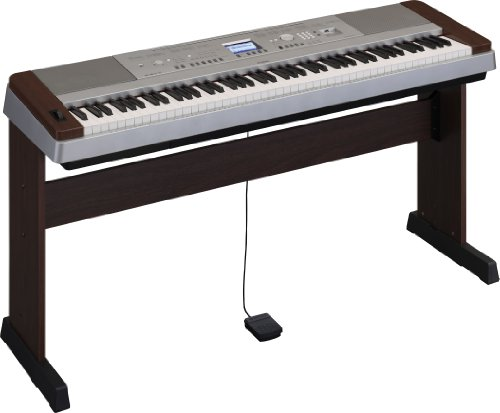 Yamaha DGX640W Digital Piano