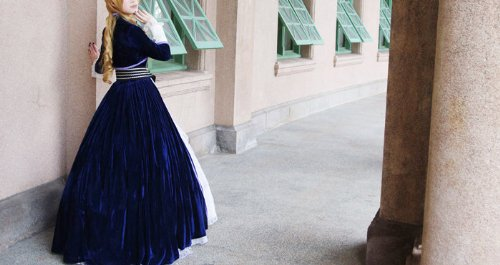 VOCALOID ボーカロイド KAITO カイト ヴェノマニア公の狂気風 コスプレ衣装  新品 完全オーダメイド無料 ☆LUGANOオリジナルデザインのコサージュ付き