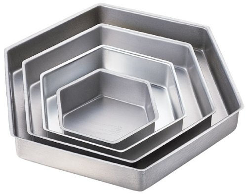 Wilton Performance Pans Hexagon Pan Set