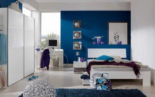 Jugendzimmer in Alpinweiß mit abgesetzten Strasskristallen, 2-tlg. Kleiderschrank B: ca. 179 cm, Bett 140 x 200 cm Liegefläche,