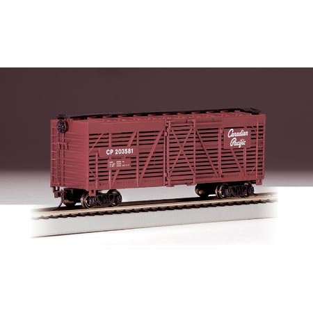 Bachmann Trains Canadian Pacific 40' Stock Car-Ho Scale