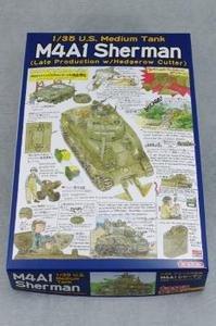 35022 Tasca 1:35 U.S. Medium Tank M4A1 Sherman Late Production w/Hedgerow Cutter