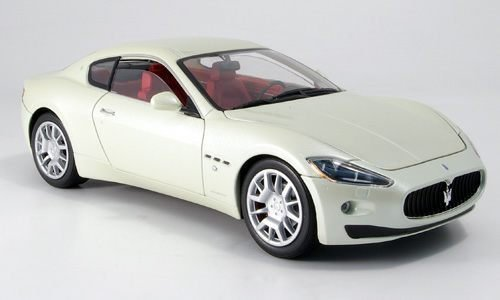 maserati-gran-turismo-white-model-car-ready-made-motormax-118-by-maserati
