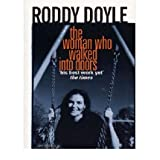 [(The Woman Who Walked into Doors)] [Author: Roddy Doyle] published on (January, 1998)
