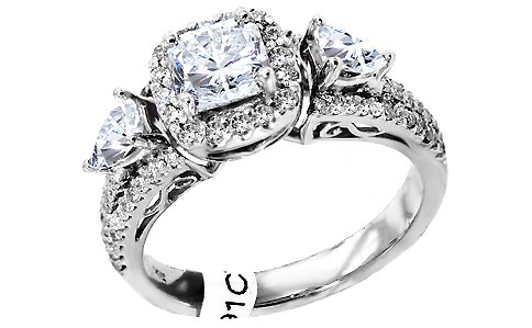 1.83 ct three stone diamond wedding ring. All 14Kt white gold ring size 7.5 set with one genuine princess cut diamond