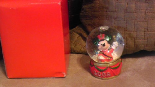disney-mickey-mouse-2008-christmas-snowglobe-from-jc-penney
