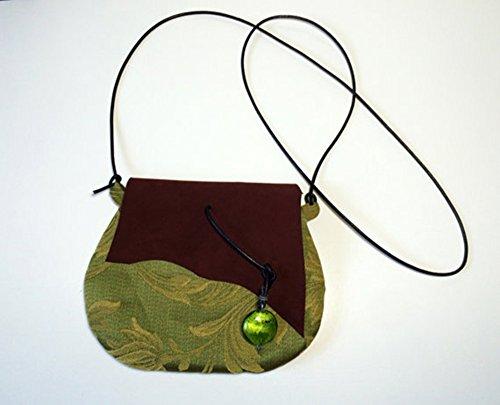 pochette-in-tessuto-di-cotone-damascato-e-pelle-scamosciata-con-ciondolo-verde-limited-edition-bbagd