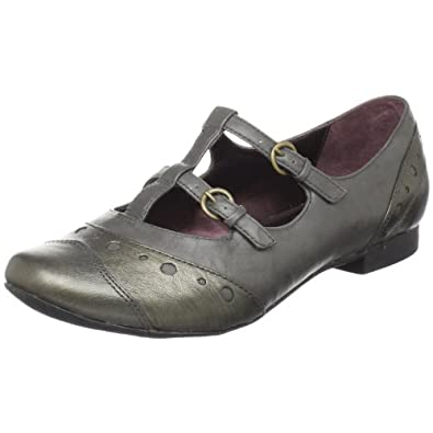 clarks milf women Fashion for women over 60 can feel limited but we've got the inside track on the most comfortable travel shoes for older women we surveyed our mature clarks.