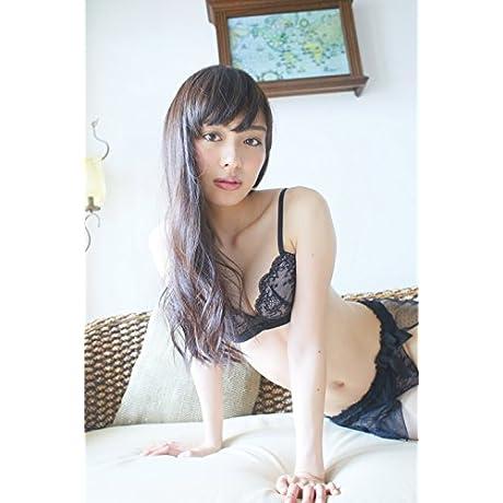 内田理央 写真集 『 Magical 』