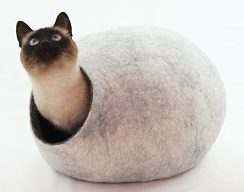 猫ベッド、ペットハウス、洞穴、うたた寝用の繭(コクーン)、100%ウールの100%ハンドメイド。Kivikis製. グレー雪 色の。サイズ: M(中)