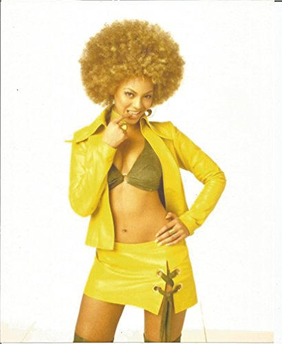 Austin Powers Beyoncé mini skirt - 8 x 10 inch Costume test Photo #1 - 004 (Collectibles Movie Costumes Austin Powers)