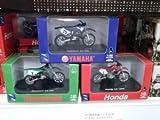 NEW RAY 1:32 ダイキャスト Motorcycles Yamaha (ヤマハ) Yz 125 Honda Cr125r Kawasaki (カワサキ) Kx250 SET ミニカー ダイキャスト 車 自動車 ミニチュア 模型 (並行輸入)