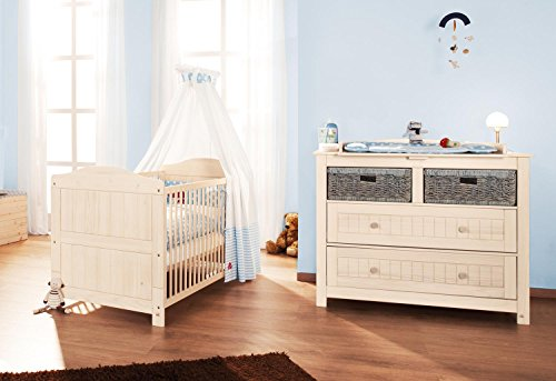 pinolino sparset finja breit 2 teilig kinderbett 140 x 70 cm und breite wickelkommode mit. Black Bedroom Furniture Sets. Home Design Ideas