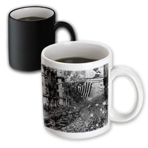 Florene New York - Image Of 1926 Photograph Of Parade In Nyc - 11Oz Magic Transforming Mug (Mug_171575_3)