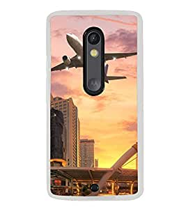 ifasho aeroPlane flying in city Back Case Cover for Moto G3