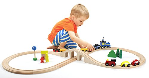 Wooden 30 Piece Figure Eight Train Set with Conductor Carl Train