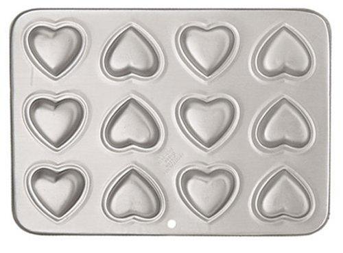 Wilton 12-Cavity Petite Heart Pan
