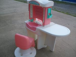 Little Tikes Little Girls' Pretend Play Beauty Salon & Chair