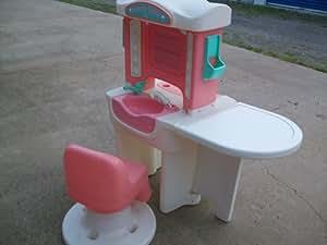 Little Tikes Little Girls' Pretend Play Beauty Salon & Chair