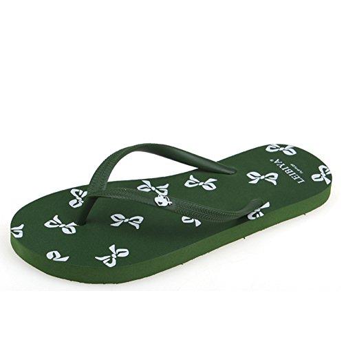 Mode décontractée tongs/Chaussons de plage anti-dérapants simple pincement en bas Mesdames plates/Chaussures