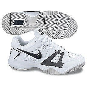 NIKE Boys City Court 7 Tennis Shoes