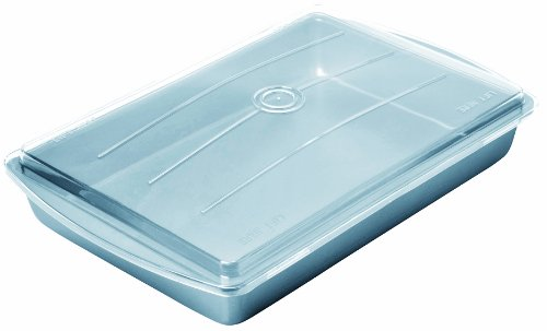 Chicago Metallic 13247 13 by 9 by 2-Inch Betterbake Non-Stick Make N' Take Pan with Lid