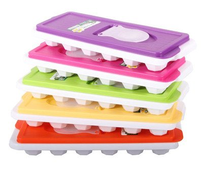1 X Ice Cube Tray With Lid And Easy To Pour Section So No More Spilling By Demirel Plastik