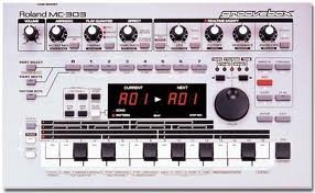 Sale!! Roland Mc-303 Sequencer Dance Music Machine Groove Box