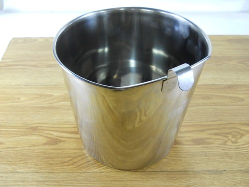 Stainless Steel 2 Qt Flat Sided Feed Pail with Fence Hook (2 Qt Stainless Steel Pot compare prices)
