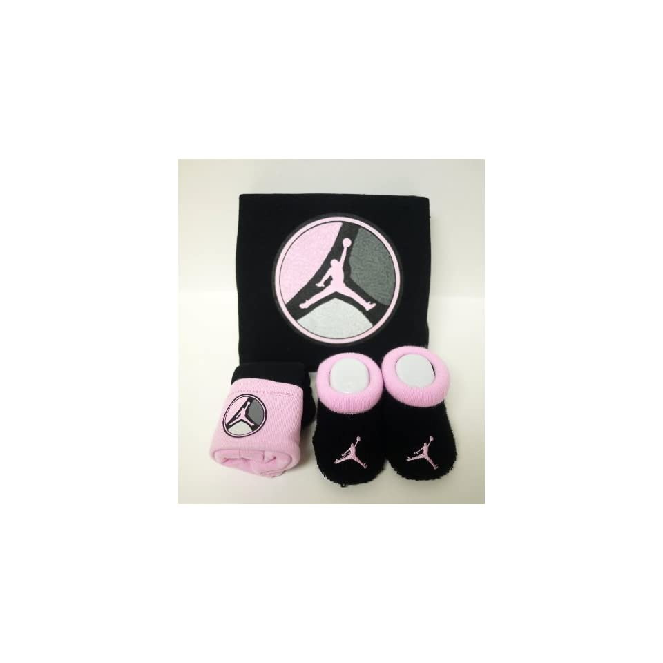 0e90dc3be625c5 3 Piece Nike Pink and Black Infant Set for 0 6 Months Baby with Jordans Logo