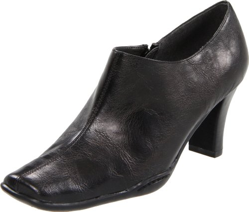 Aerosoles Women's Cinchuation Boot,Black,8 M US